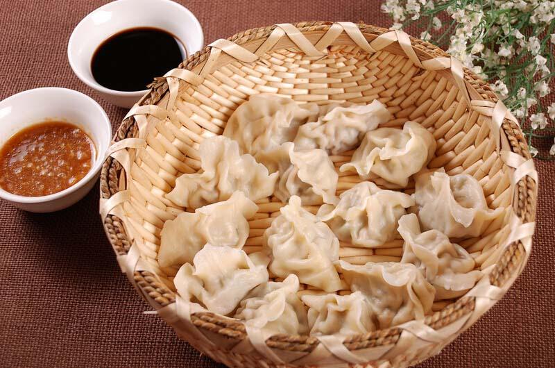 <a href=/shicai/shuichanpin/BoYu/index.html target=_blank><u>鲅鱼</u></a>水饺的做法3