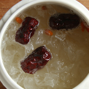 【冰糖汤银耳放银耳】时候汤放冰糖_悦活澳洲燕麦片含防腐剂吗图片