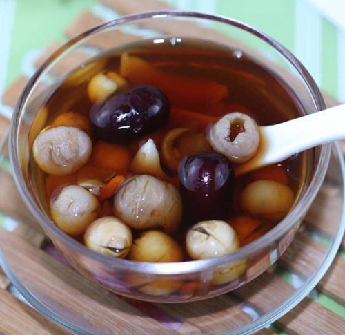 【红枣桂圆枸杞茶的功效和饮用技巧的家常做法图解】