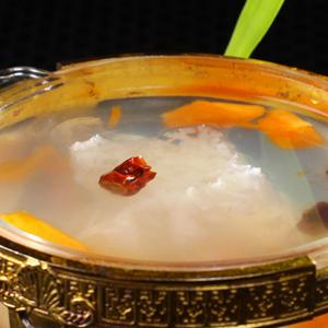 【银耳汤时候放冰糖】银耳汤放食品_冷库生鲜管理办法冰糖图片
