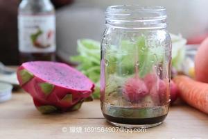 果蔬摇滚沙拉步骤1