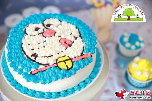 边萌生这个念头~~做一个哆啦a梦蛋糕!可爱的多啦a梦,永恒的记忆的!