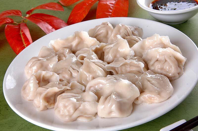 <a href=/shicai/shuichanpin/BoYu/index.html target=_blank><u>鲅鱼</u></a>水饺的做法1