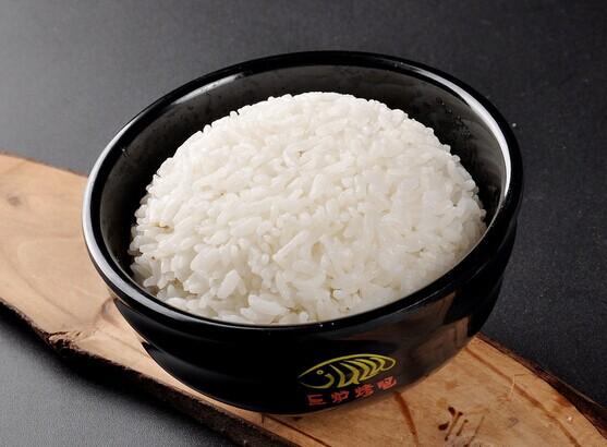 电压力锅蒸米饭的家常做法 电压力锅蒸米饭怎么做好吃 做菜网图片