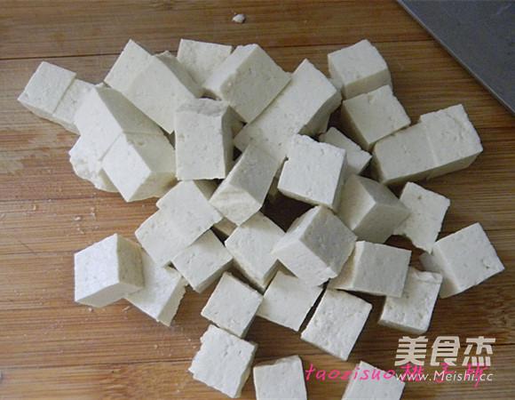 番茄烧<a href=/shicai/mimian/DouFu/index.html target=_blank><u>豆腐</u></a>的做法