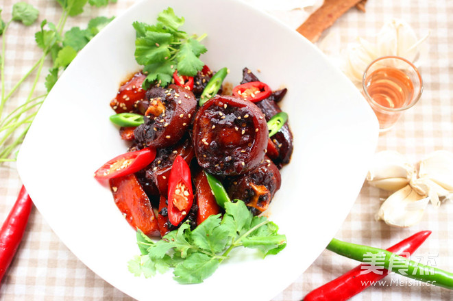 香辣红烧牛尾的做法荤菜托食谱班图片