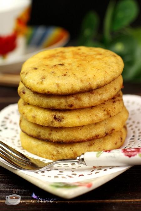 黄金<a href=/shicai/mimian/YuMi/index.html target=_blank><u>玉米</u></a>饼的做法