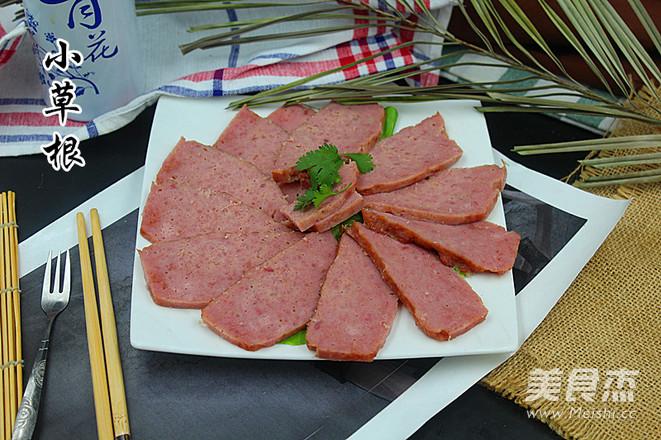 自制<a href=/shicai/rouqin/WuCanRou/index.html target=_blank><u>午餐肉</u></a>的做法