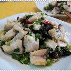 豌豆木耳炒鱼块