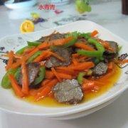 胡萝卜煸腊牛肉的做法