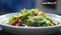 豆豉鲮鱼炒苦瓜的做法详细图解
