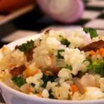 西兰花胡萝卜腊肉饭