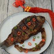 葱焅鲫鱼的做法
