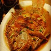 红焖鱼的做法