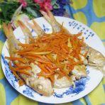 胡萝卜焖红杉鱼的做法
