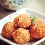 一藕双吃:胡萝卜藕丸+冰糖莲藕羹的做法
