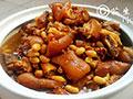 软糯可口下饭菜—花生焖蹄膀的做法