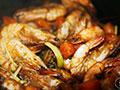 黑胡椒干锅虾的做法