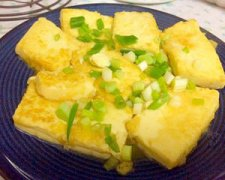 酱烧鸡蛋豆腐的家常做法图解