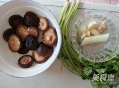 素烹鳝丝的做法