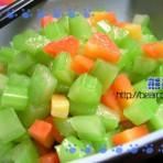 清淡爽口调芹菜的做法