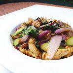洋葱芦笋炒鸡肉的做法