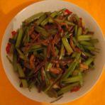 香芹肉丝炒茶树菇
