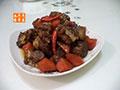 红萝卜烧排骨的做法
