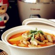 红咖喱鸡块烩杂蔬的做法