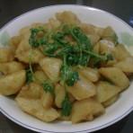 香菜焖土豆的家常做法
