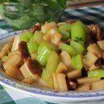芹菜瘦肉炒藕丁
