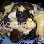 冬菇木耳蒸鸡的做法
