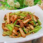 芹菜香干炒肉的做法