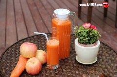 新鲜胡萝卜汁的功效与作用有哪些?