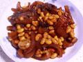带鱼黄豆炖肉皮的做法