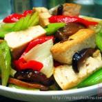 什锦芹菜豆腐的做法