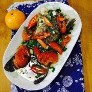 萝卜番茄煲鱼尾的做法