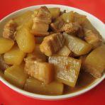 五花肉烧白萝卜的做法