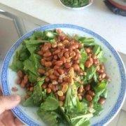 小白菜拌花生米的做法