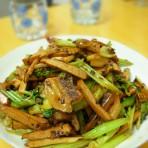 五花肉炒香干芹菜