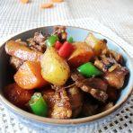 土豆胡萝卜焖鸡块的做法