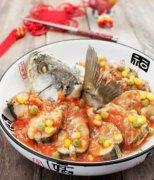 【剁椒蒸鲈鱼】剁椒蒸鲈鱼的做法_剁椒蒸鲈鱼的热量