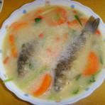 鲫鱼胡萝卜汤的做法