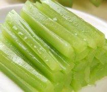 【炒芹菜需要焯水吗】炒芹菜怎么做好吃_炒芹菜的饮食禁忌