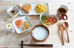 早晨起床应该先吃什么才最健康