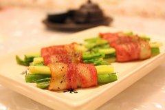 黑椒芦笋培根卷:益脾胃抗衰老