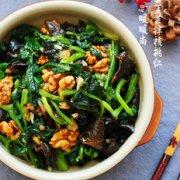 蒜蓉菠菜拌核桃仁的做法