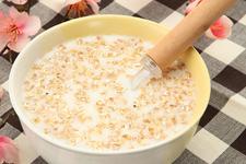 牛奶燕麦粥
