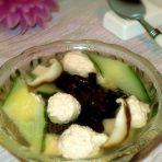 黄瓜鲜虾肉丸汤的做法