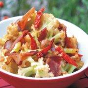 腊肉炒有机花菜的做法